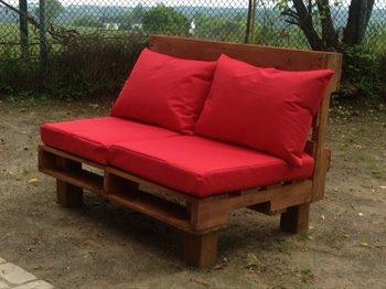 Des meubles de patio en palettes original et amusant for Meuble patio en palette